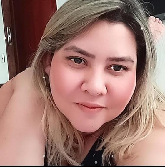 Dra. Aline Sales Cardoso da Cruz <br> Aluna de Dermatologia